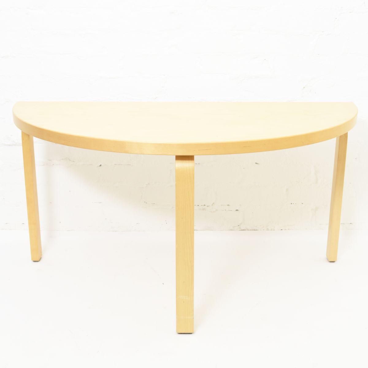 Aalto-Alvar-Half-Spherical-Kids-Table-Birch