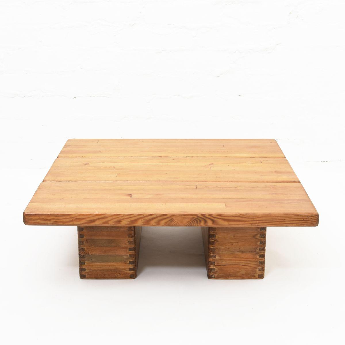 Tapiovaara-Ilmari-Lo-Coffee-Table-Pine