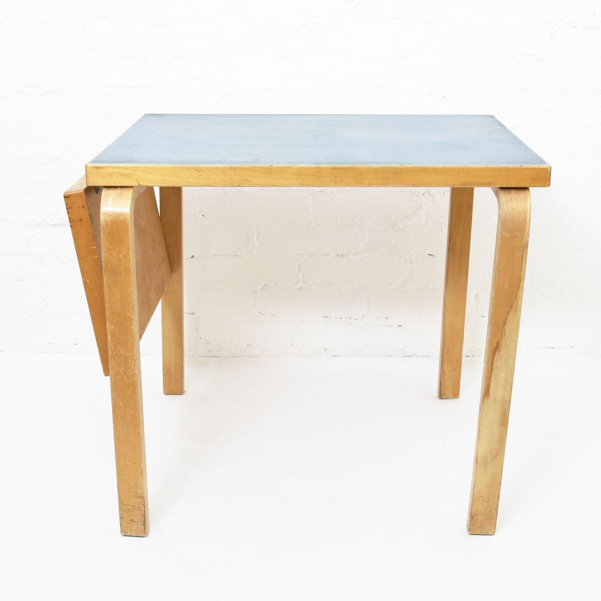 Aalto-Alvar-Drop-Leaf-Table-Lagoon-Blue