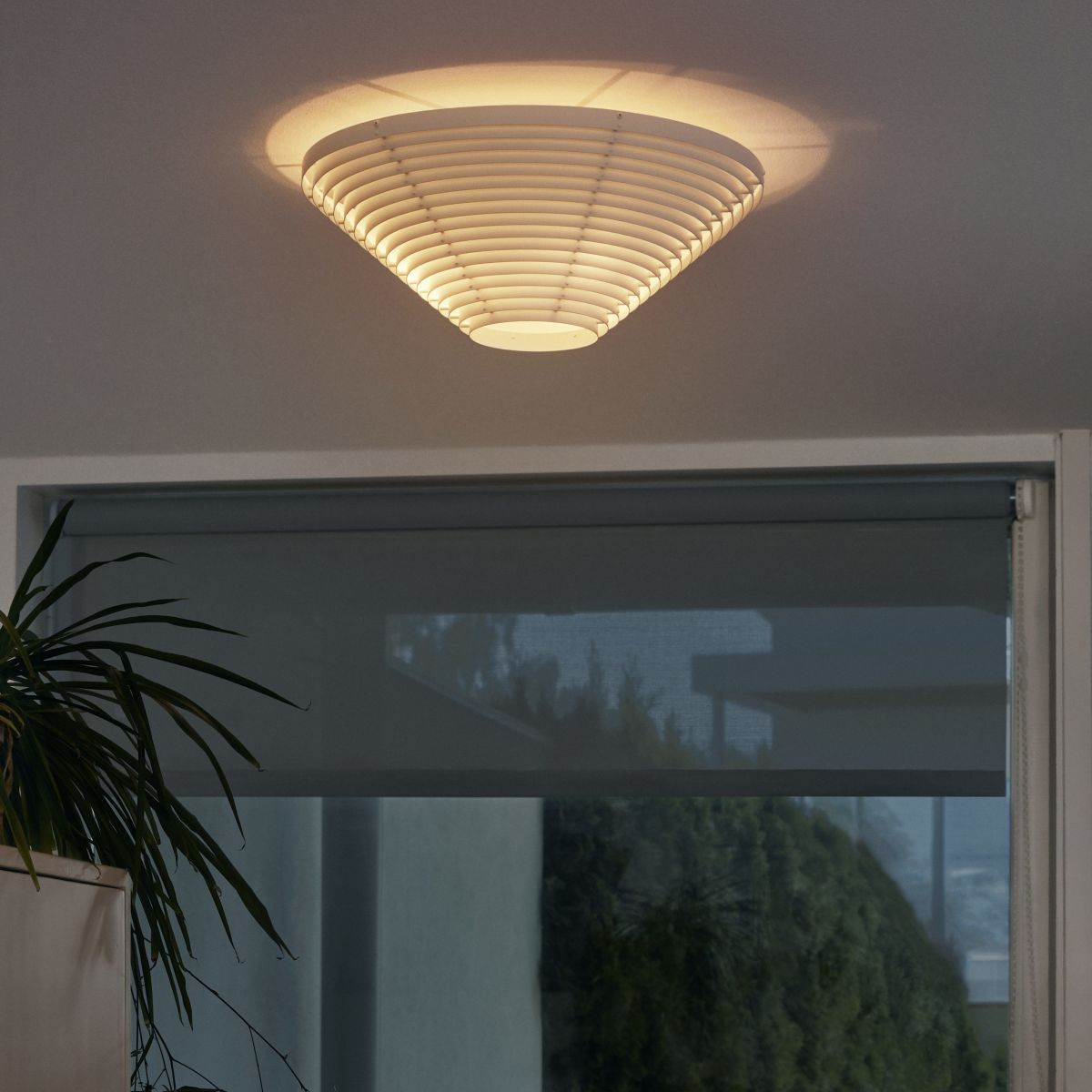 Ceiling_light_A622_On