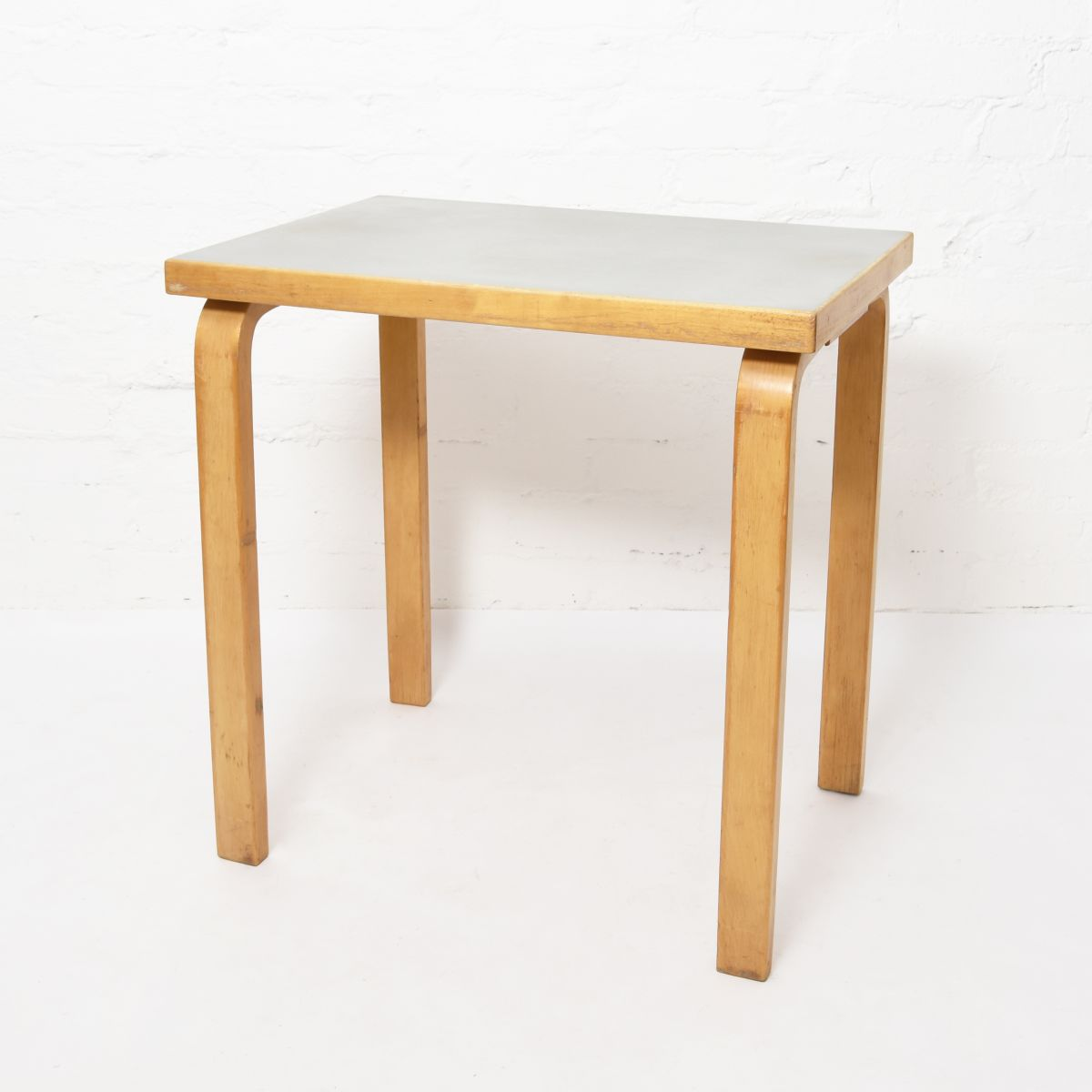 Aalto-Alvar-Small-Side-Table-Ice-Gray-Lino