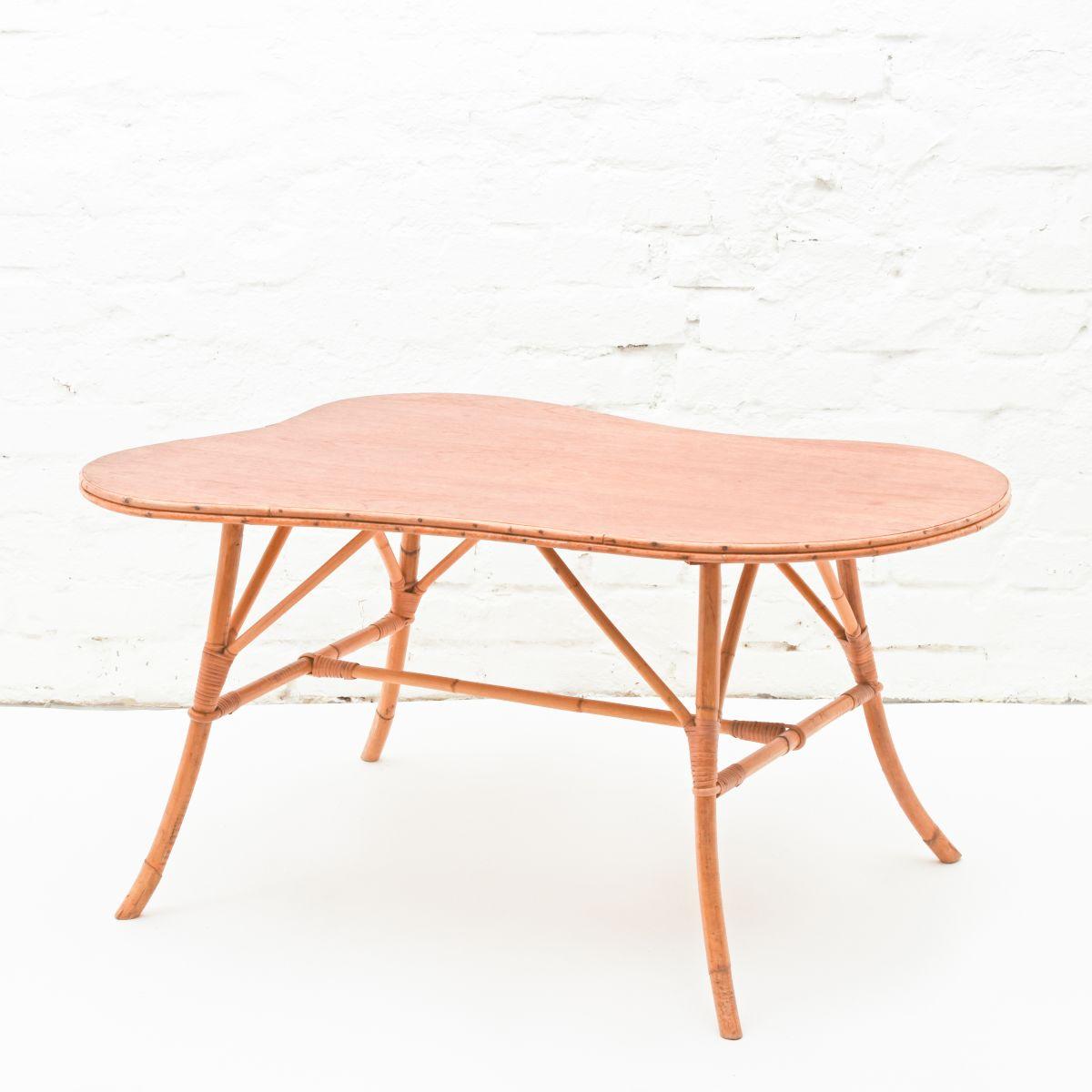 Low-table-sokeva
