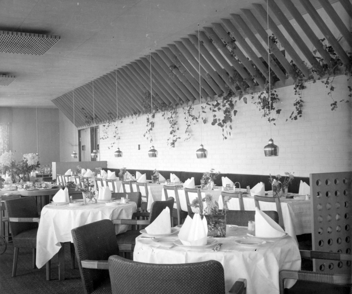 Restaurant Savoy interior historical