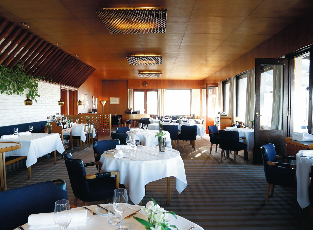 Artek-Golden-Bell-Restaurant-Savoy_0015