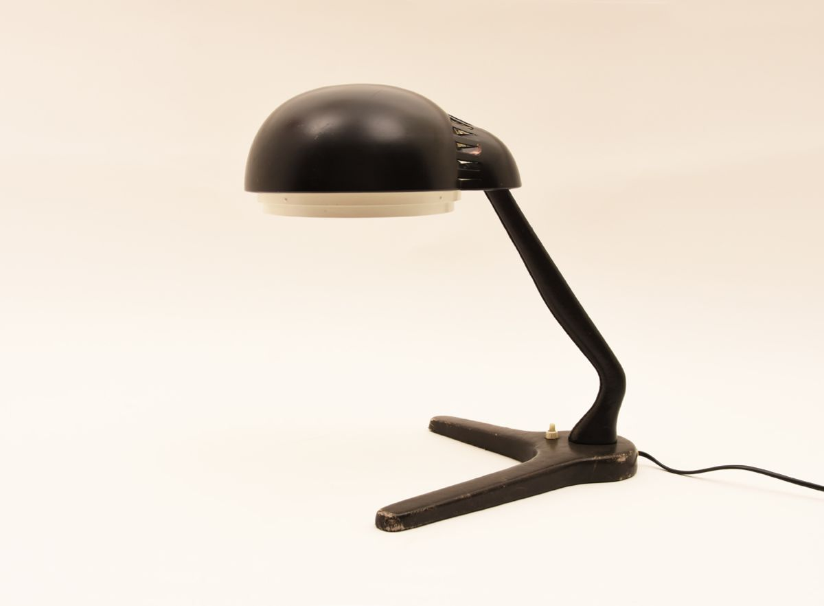 A704 table lamp