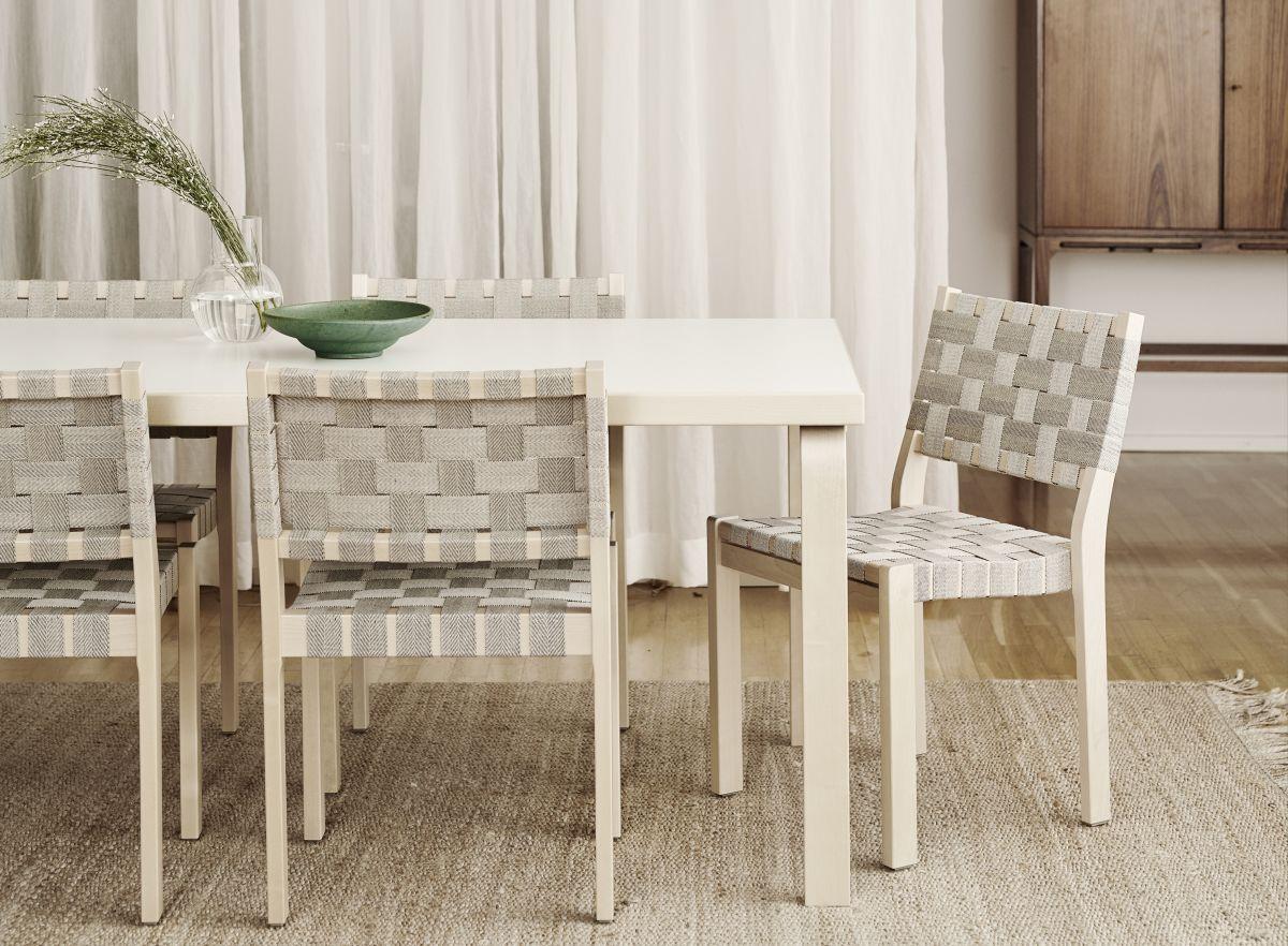 Chair 611 Aalto table 83 Riikka Kantinkoski 2599278 - 高級家具メーカー『アルテック』のオススメの椅子9選