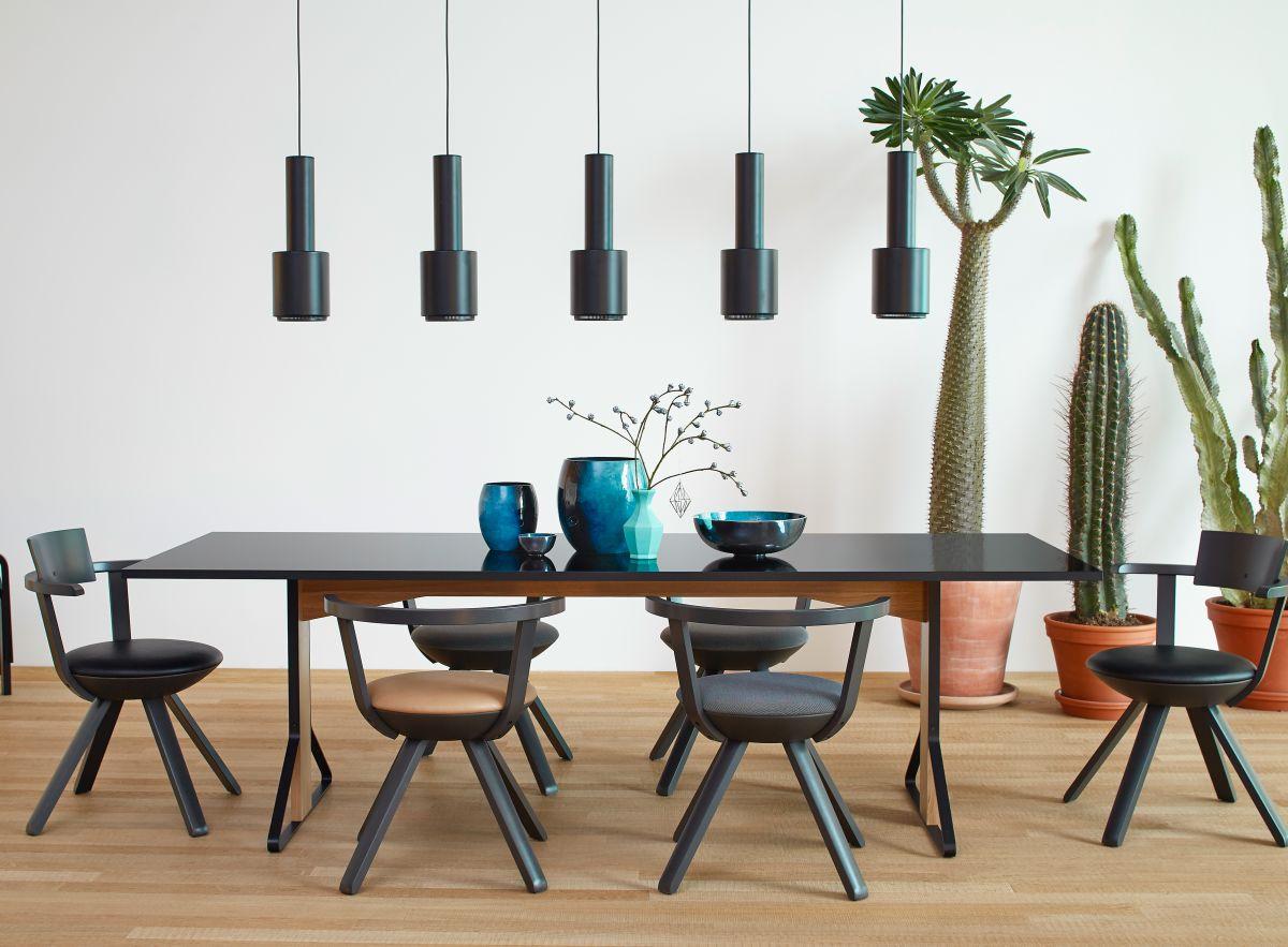Rival_Chair_Kaari Table_rectangular