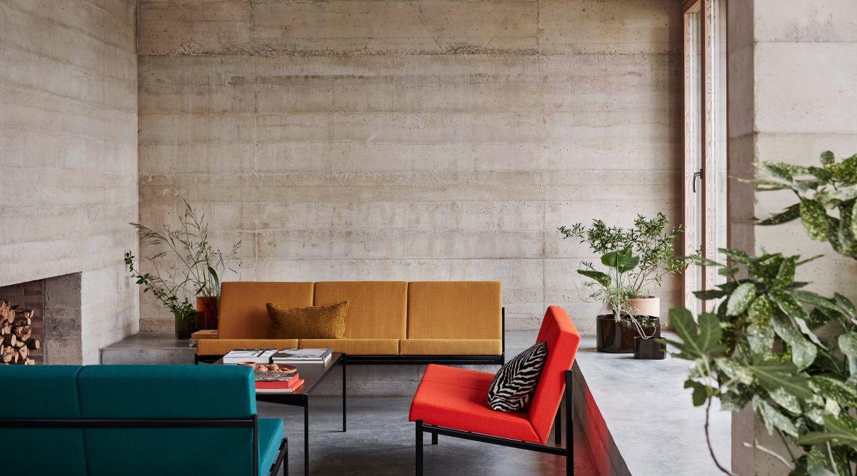 Kiki_Longe_Chair_Sofa_Table_photo_Mikko_Ryhanen
