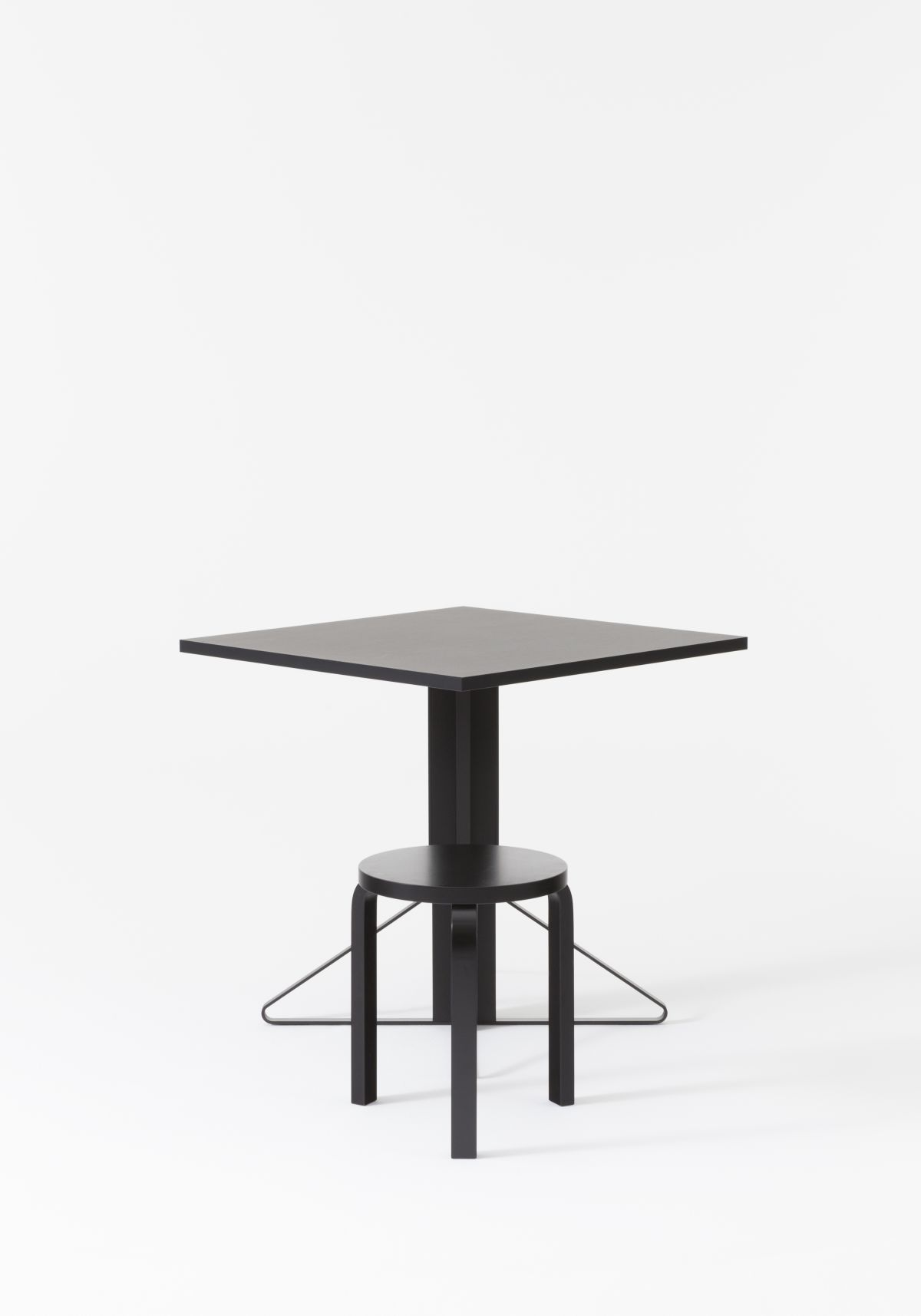 Kaari Table square with Stool 60 2