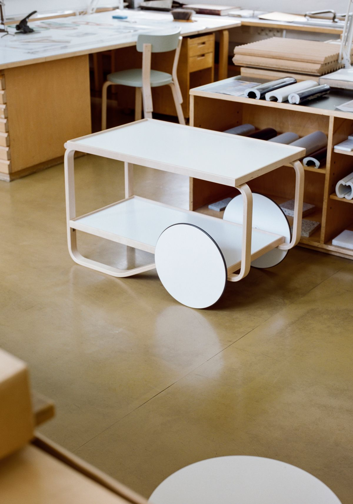 Tea Trolley 901 white laminate Aalto studio