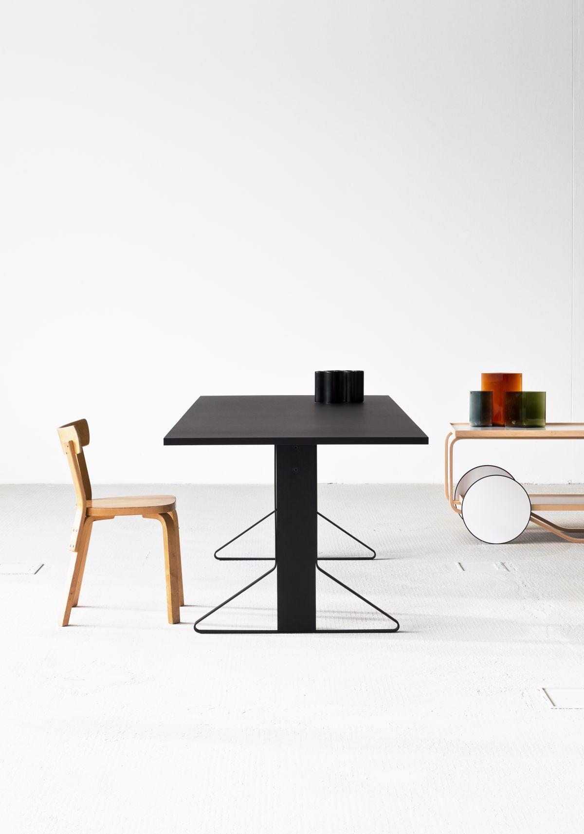 Kaari Table rectangular REB002 black oak black Linoleum