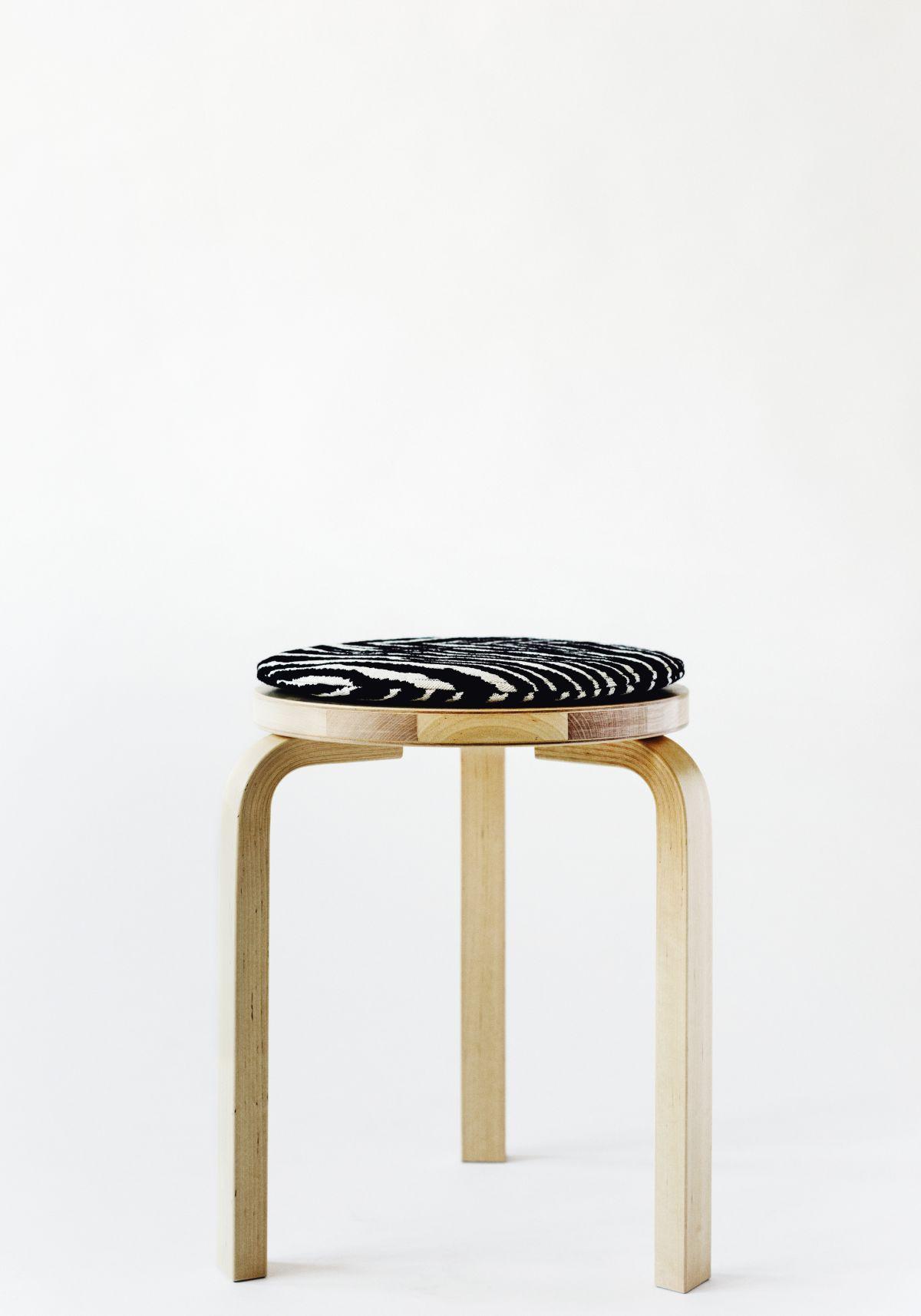 Zebra-Seat-Cushion_1