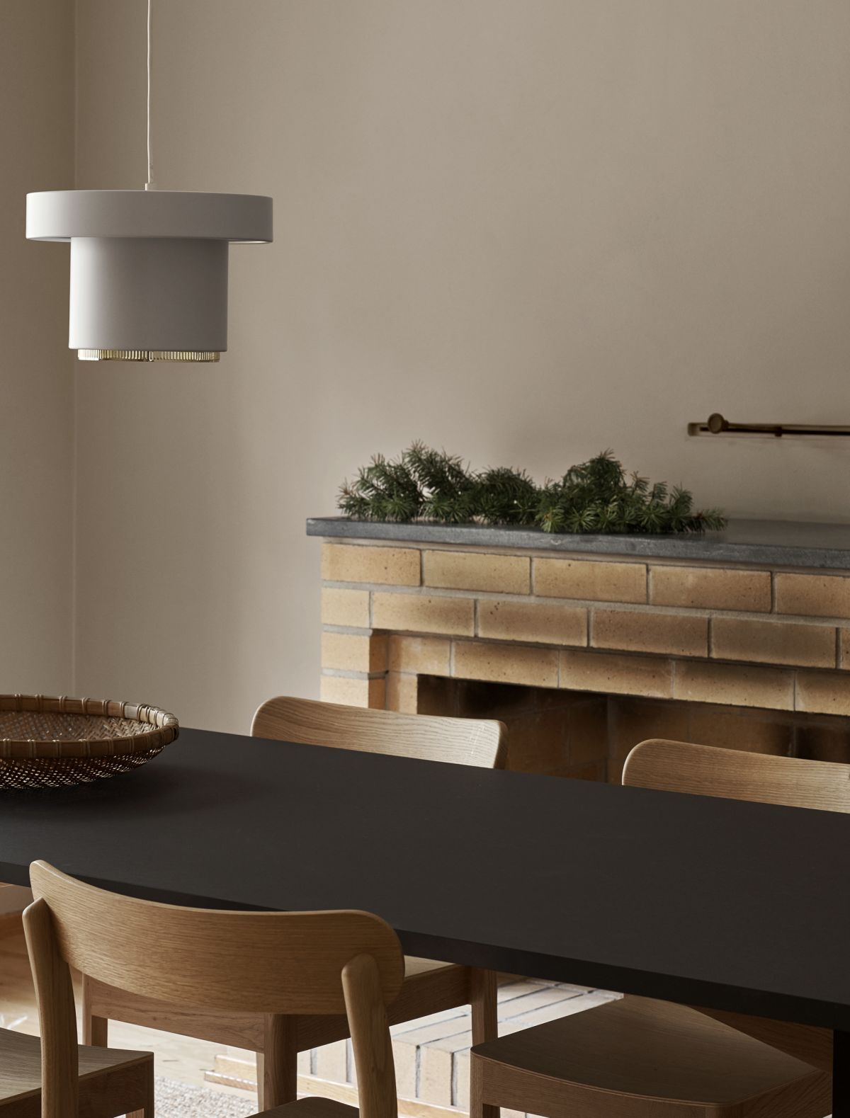 Kaari_Table_Atelier_Chair_A201_Pendant_Light