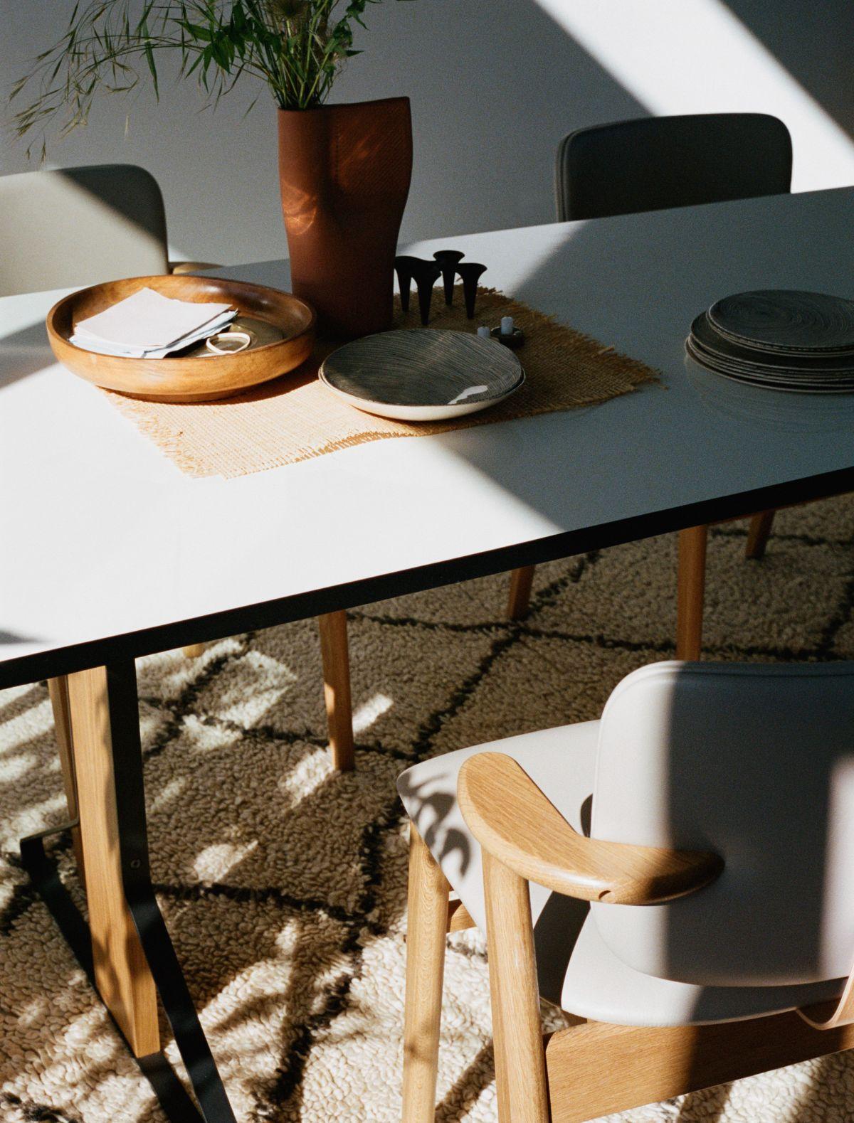 Kaari_Table_rectangular_REB002_Domus_Chair_leather_upholstered_2