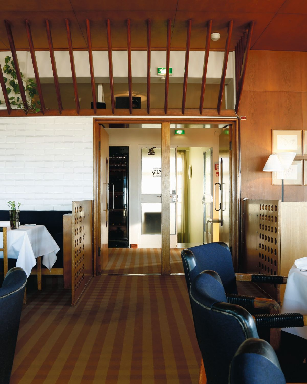 Artek-Golden-Bell-Restaurant-Savoy_0018