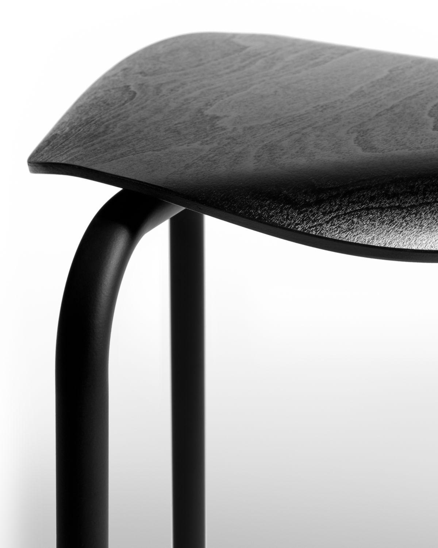 Lukki Stool black lacquer_detail1