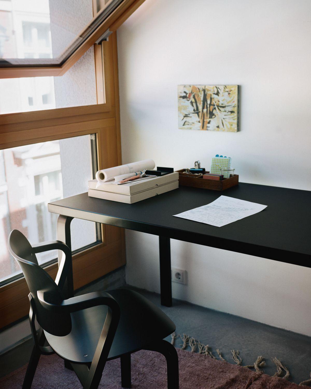 Aslak_Chair_Aalto_Table_rectangular_black_lacquer
