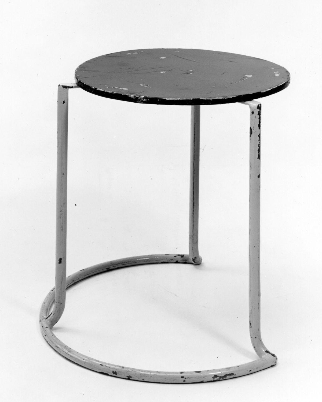 Side table 606 - black/white historical