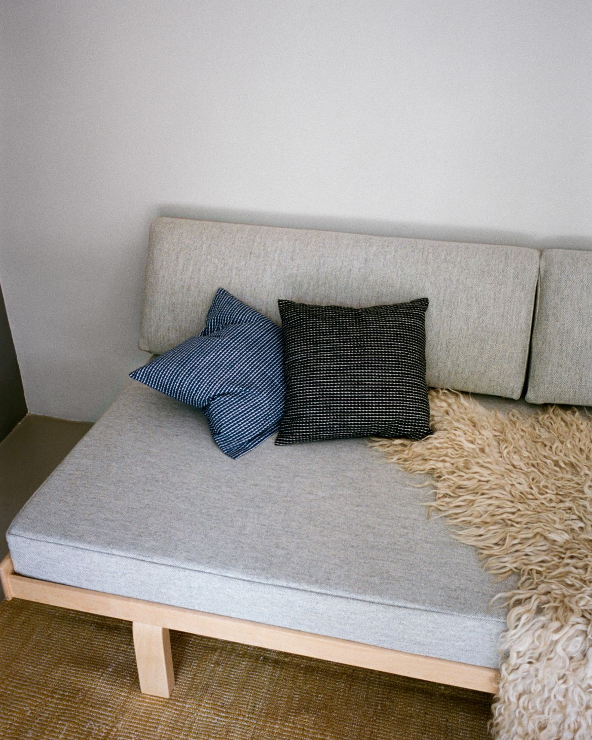 Day_bed_710_Rivi_Cushion_1