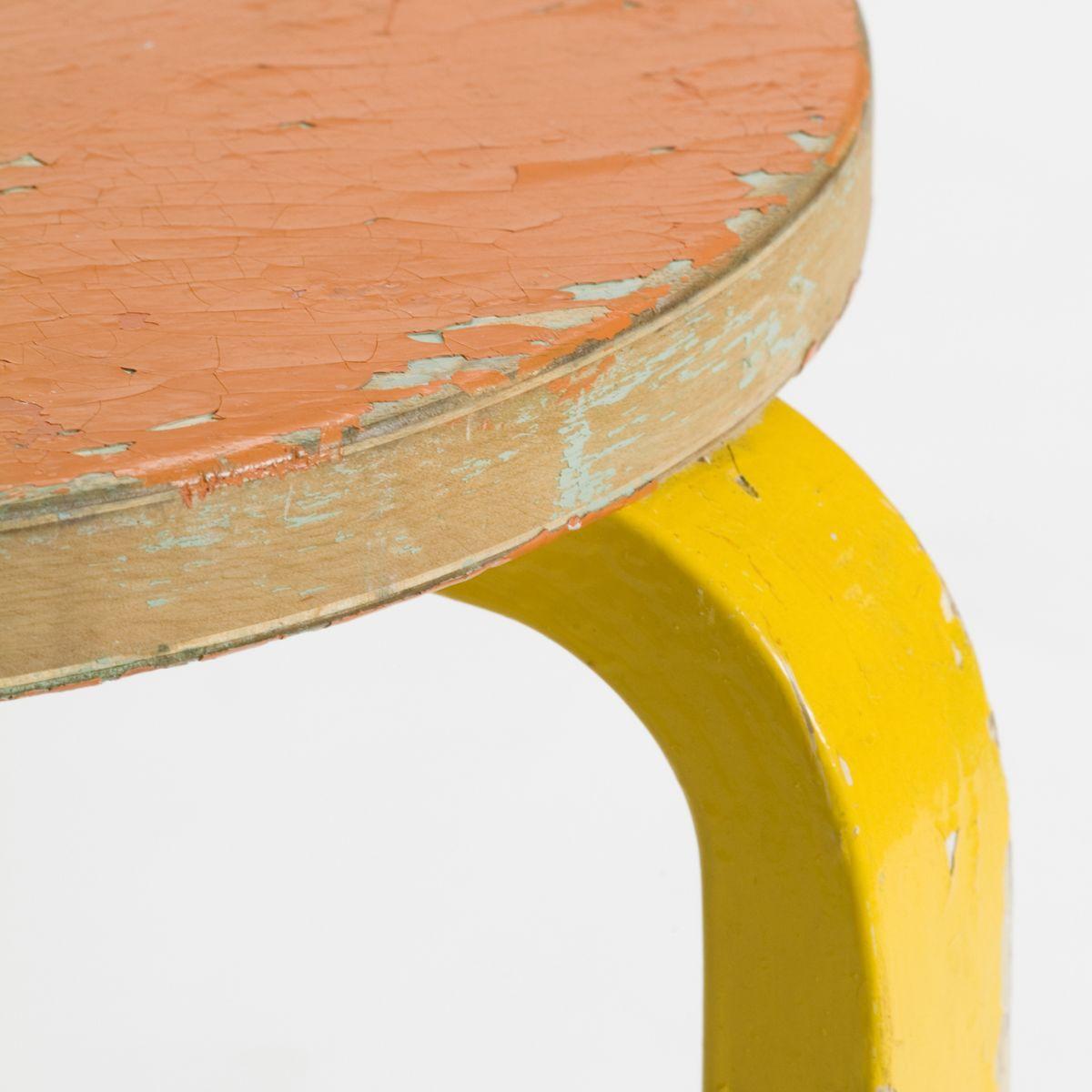 Stool-60-2Nd-Cycle-Close-Orange-Yellow-1844636