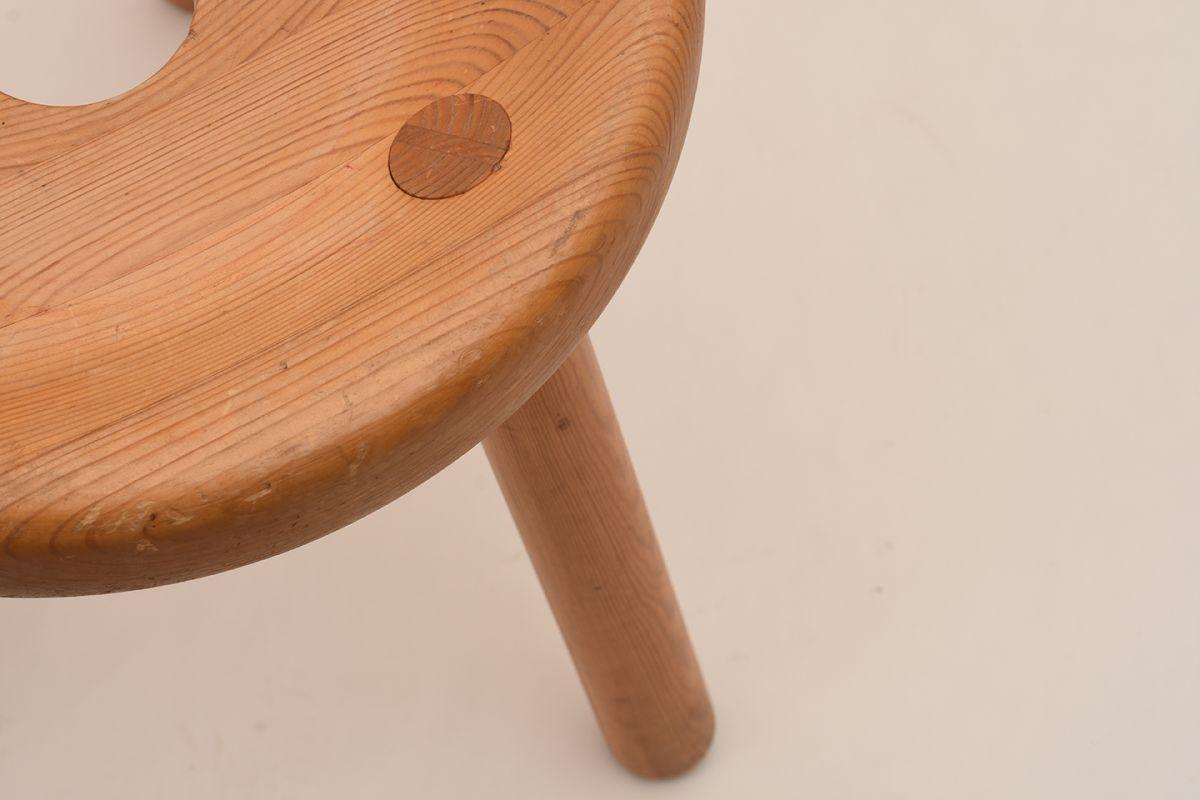 Bertel-Gardberg_Pine-Stool_Detail-01
