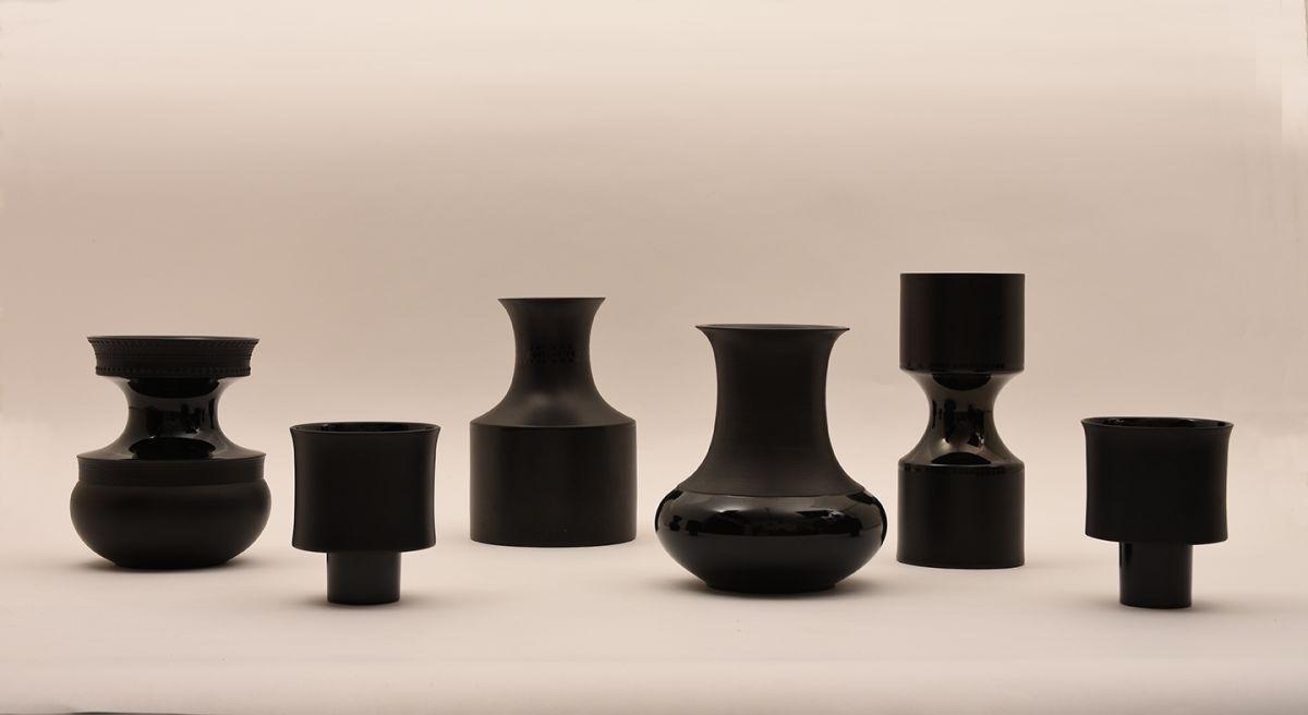 Tapio-Wirkkala_02-Black-Vases