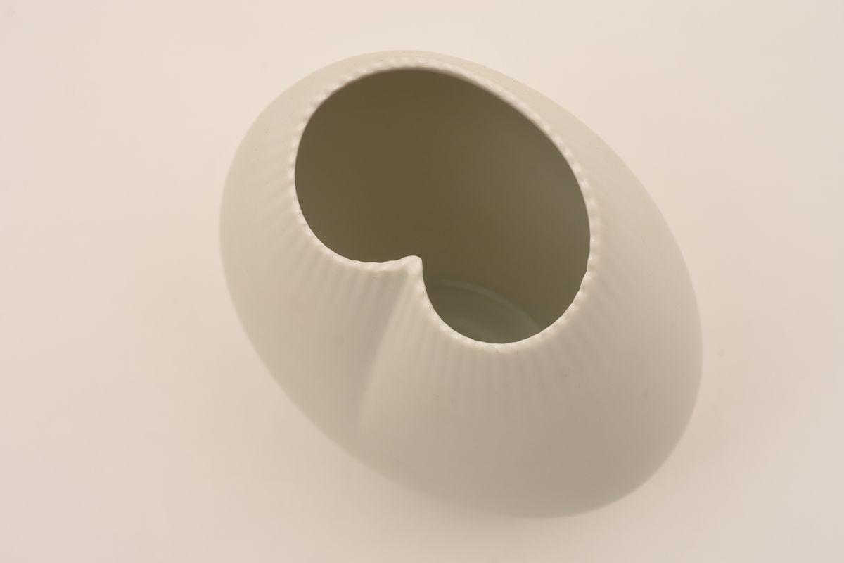 Tapio-Wirkkala_Vase-X-2739_Detail-01