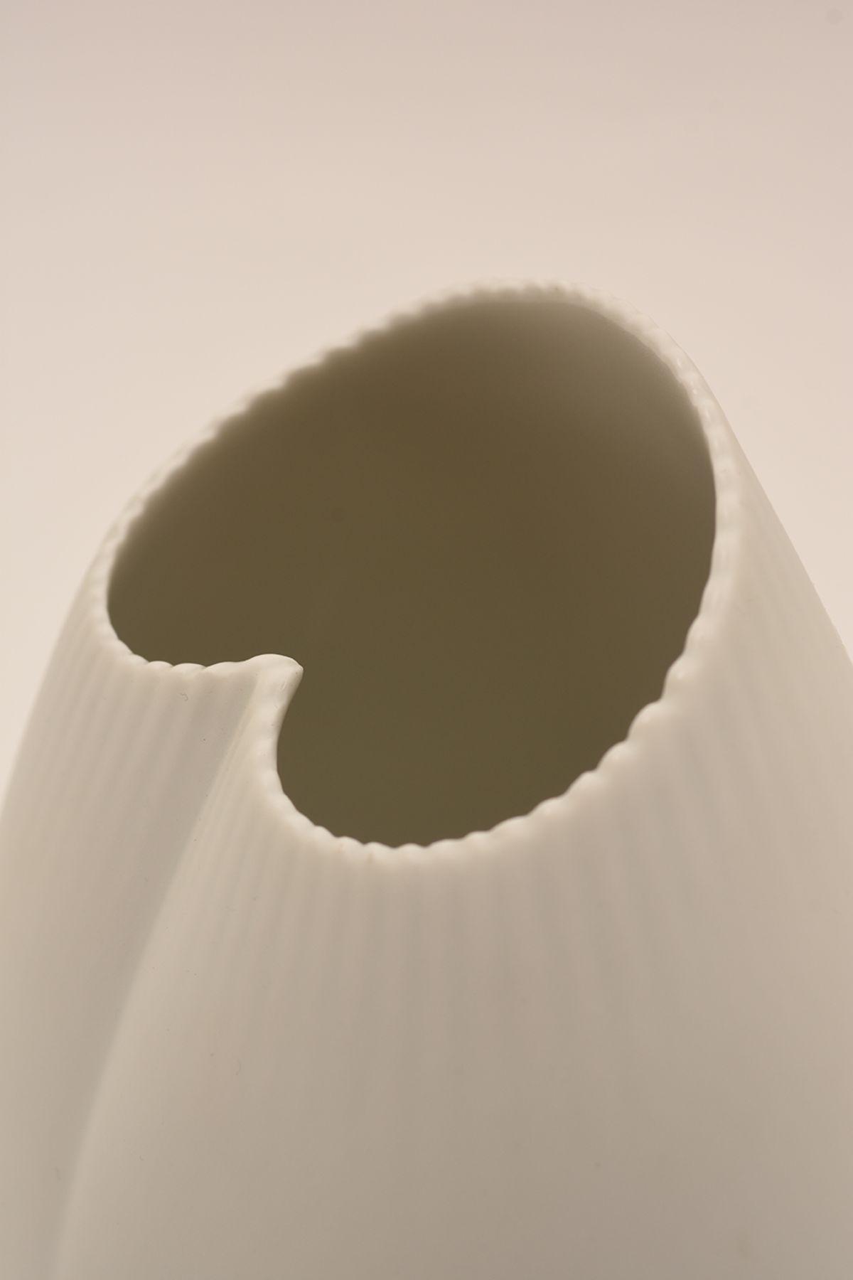 Tapio-Wirkkala_Vase-X-2739_Detail-02