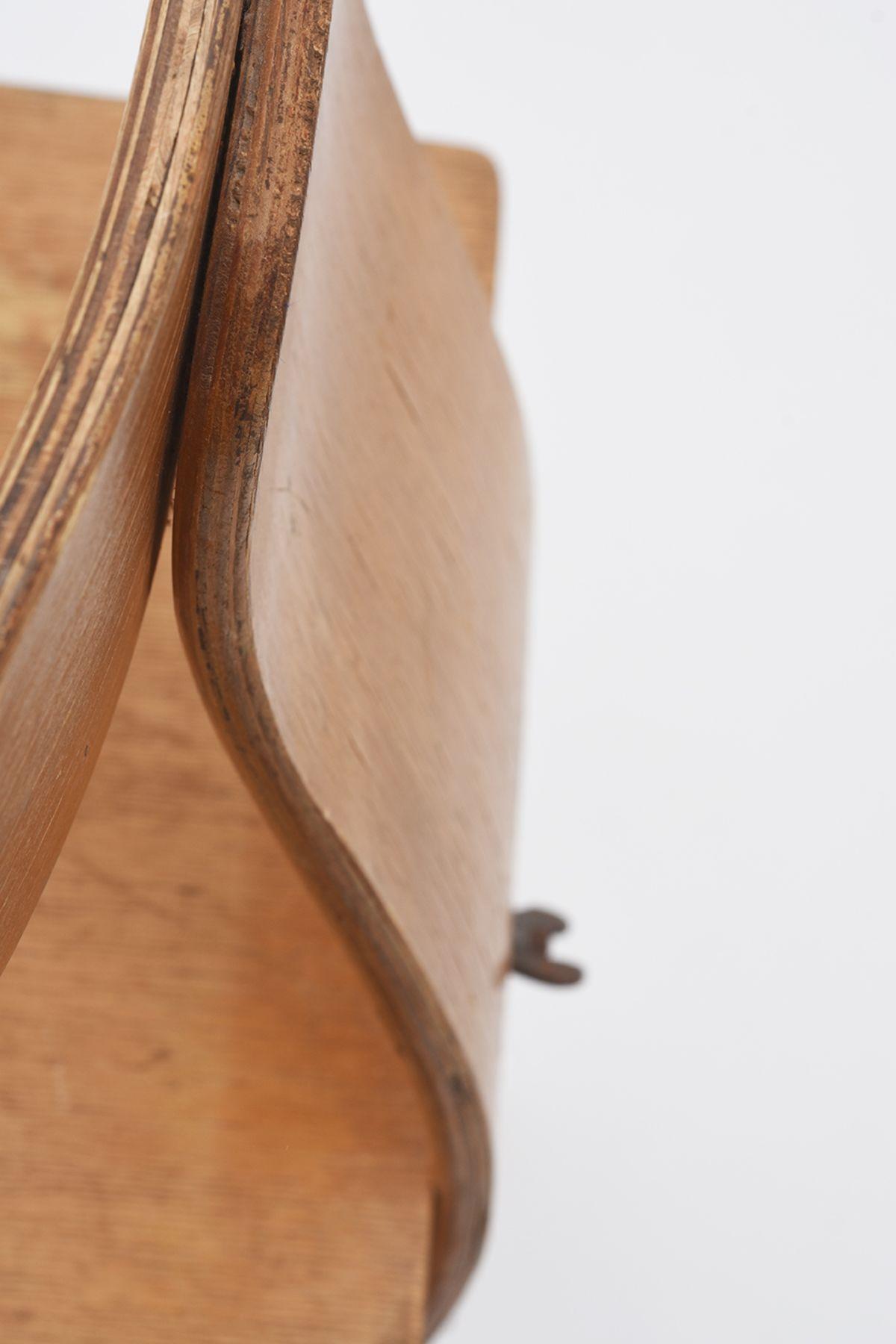 Wooden-Indutrial-Chair_Detail-01