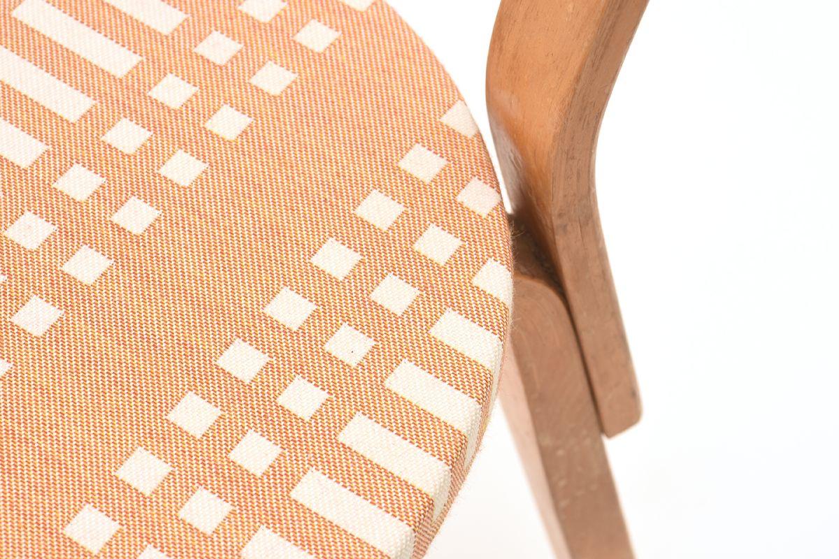 Alvar-Aalto-Johanna-Gullichsen_69_Chair_Detail-01