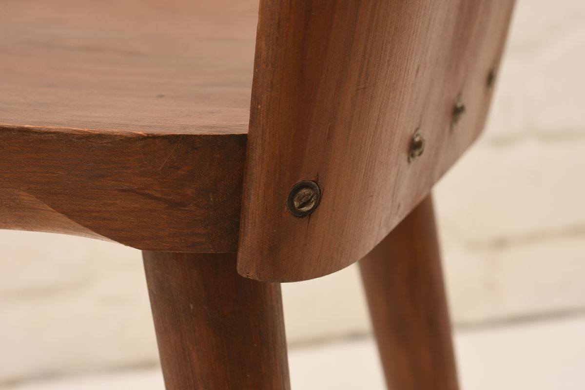 Pine-Chairs_Detail-02