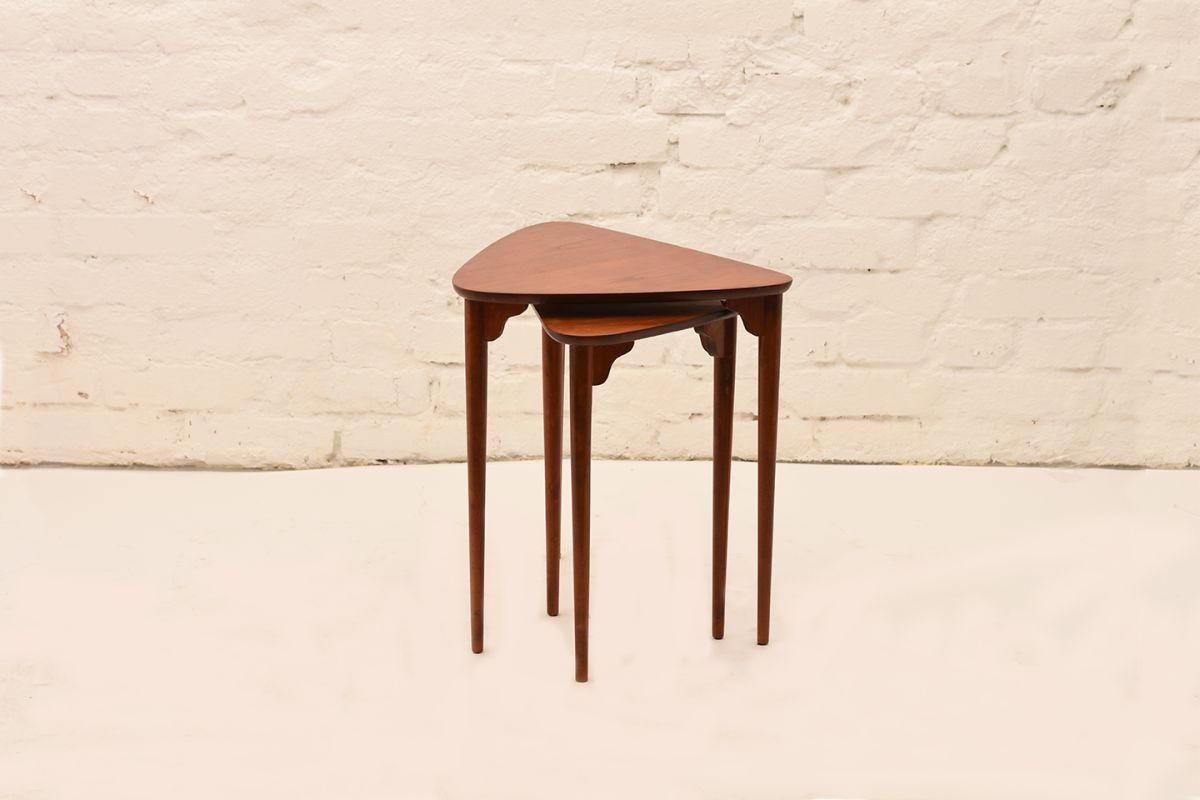Three-Legged-Nesting-Tables-By-Pori-Ekvall-02