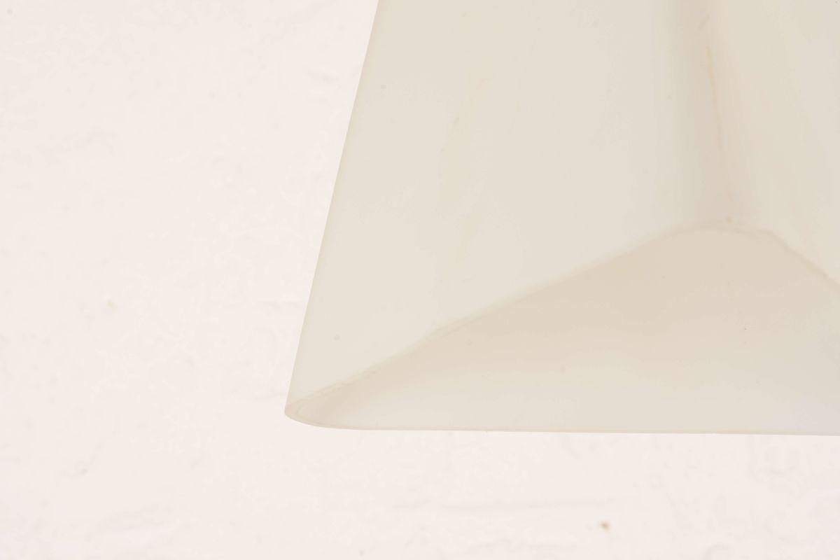Glass-Opaline-Pendant-Lamp_Detail-01