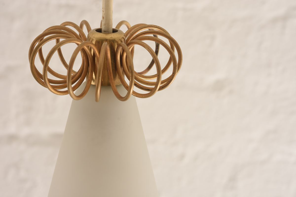 Paavo-Tynell_Wizards-Hat-Lamp_Detail-01