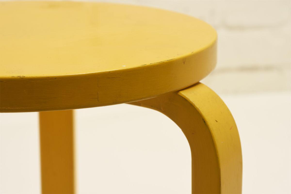 Aalto Alvar Stool 60 Yellow Paint Legs Detail1