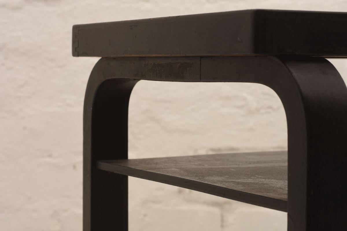 Alvar-Aalto_Side-Table_Detail