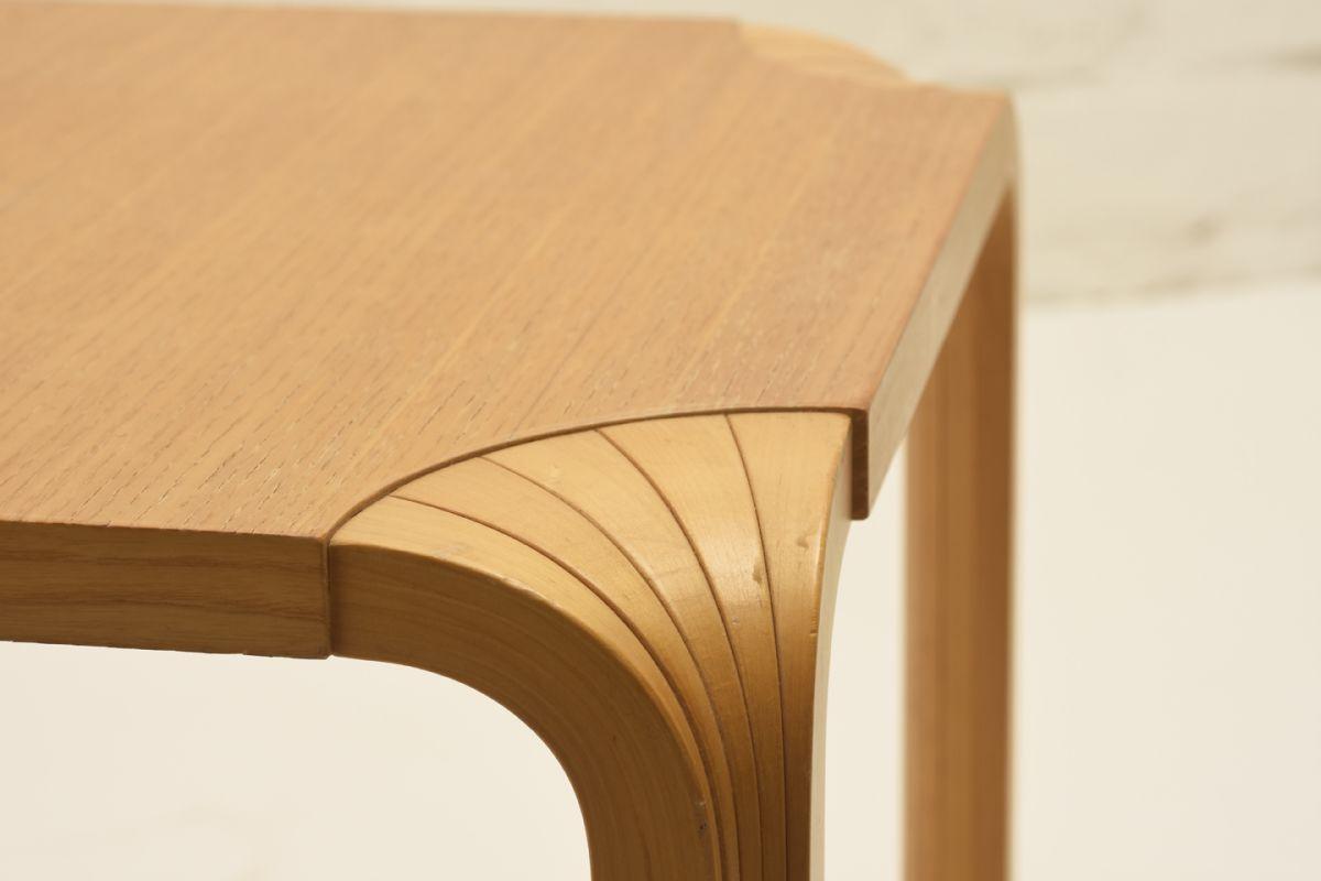 Aalto-Alvar_Stool-X601-birch_detail1
