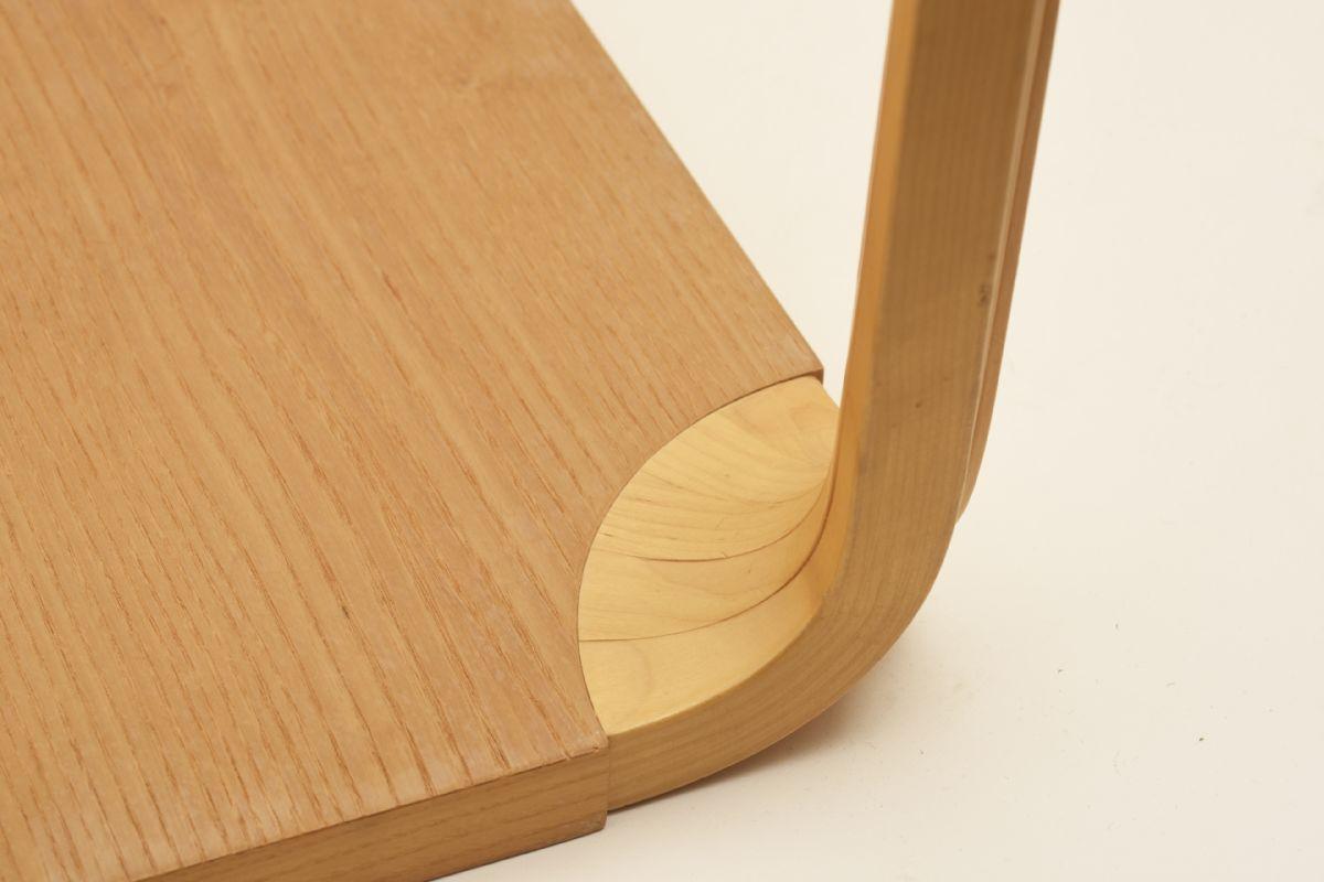 Aalto-Alvar_Stool-X601-birch_detail2