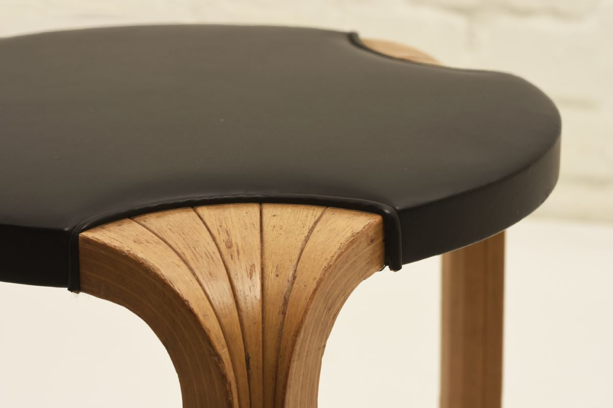 Aalto-Alvar_X-600-Black-Leather_detail3