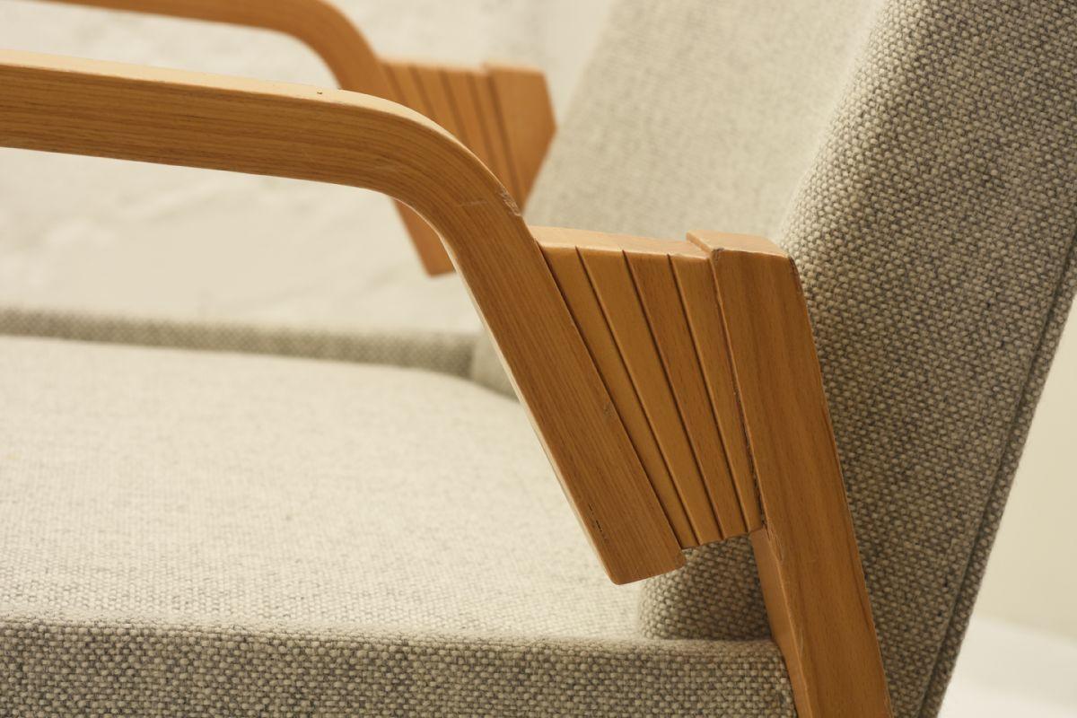 Aalto-Alvar_Finladia-Hall-Chair_Detail1
