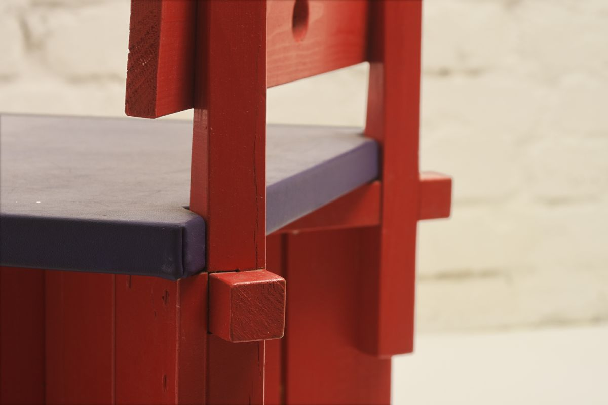 Anonymous_Red-Wooden-Folky-Chairdetail3