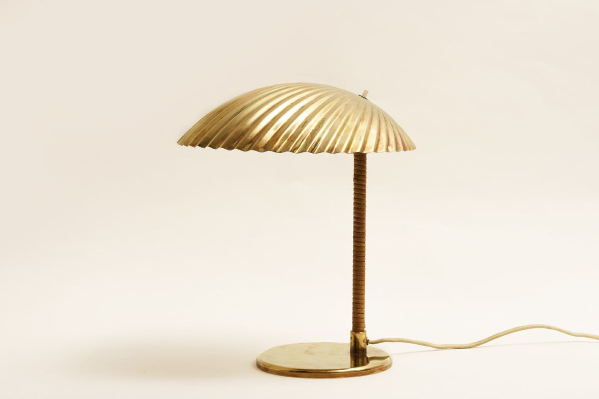 Tynell-Paavo_Simpukka-Clam-table-lamp