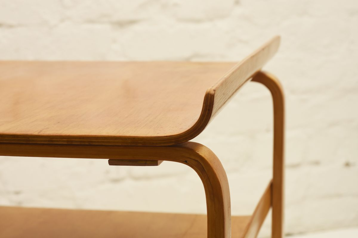 Aalto-Alvar_915-side-table_detail1