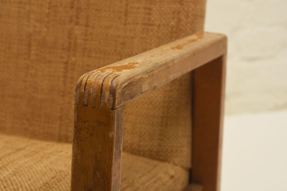 Aalto-Alvar_54-hallway-chair_detail1