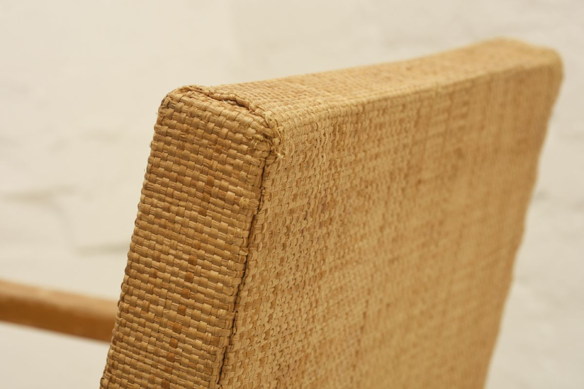Aalto-Alvar_54-hallway-chair_detail3