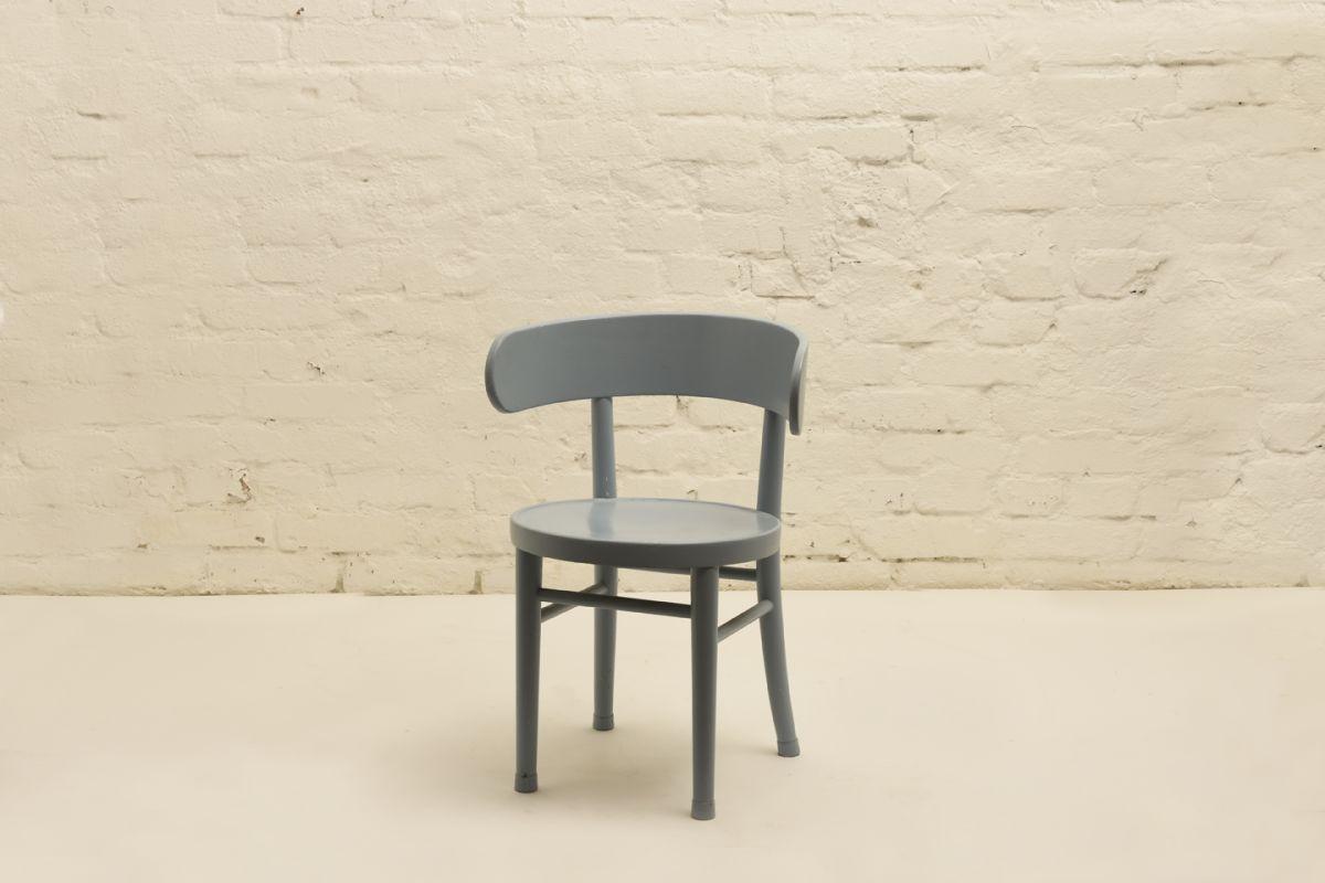West-Verner_Hugging-Chair-Light-Blue