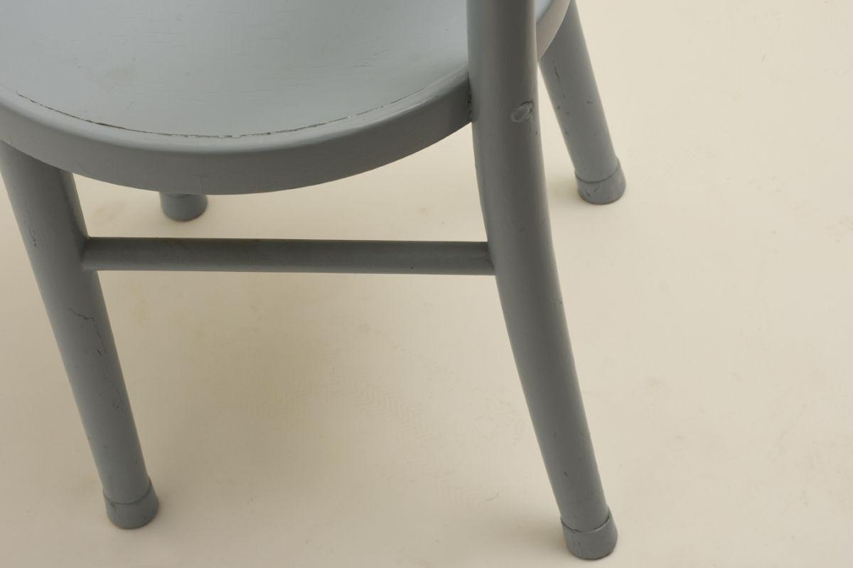 West-Verner_Hugging-Chair-Light-Blue_detail3