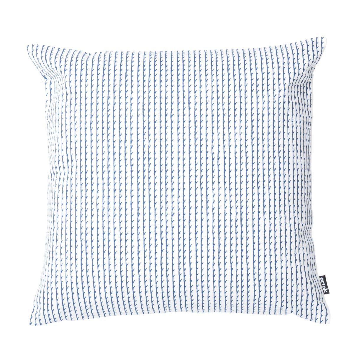 Rivi-Cushion-Large-White_Blue_Web-2410978
