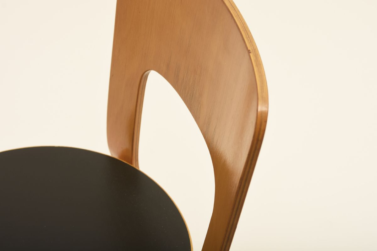 Aalto-Alvar_Chair-66-black-linoleum_detail1