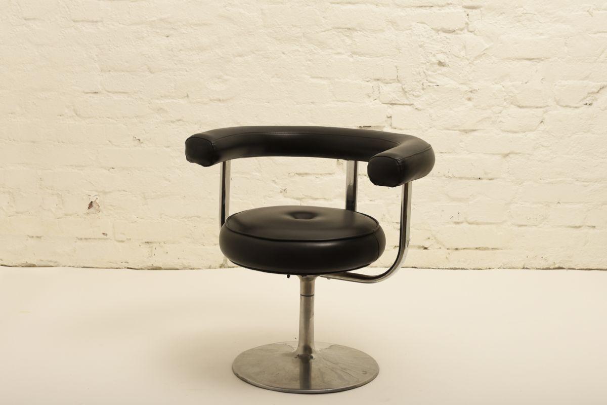 Pajamies-Esko_Swivel-Chair